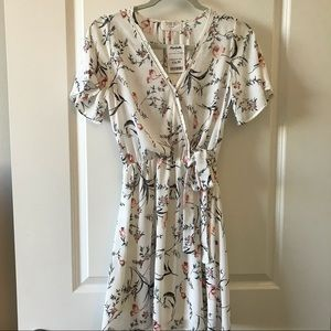 SIENNA SKY Short Sleeve White Floral Dress NWT!